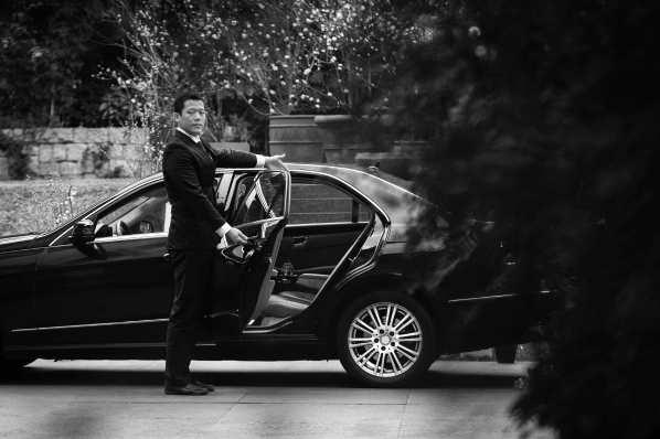 Black_Car_Pickup_BW